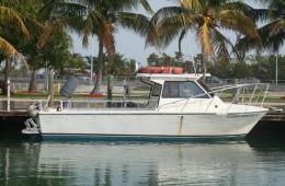 key-dive-boat