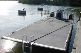 pontoon-deck